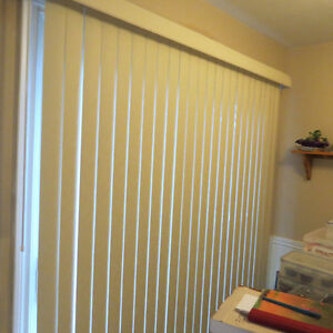 Vertical Blinds in excellent condtion