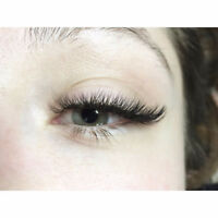 Eyelash Extensions and Lash Lifts *FREE GIFT*