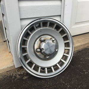 4 Hubcaps for 1985 Ford F150