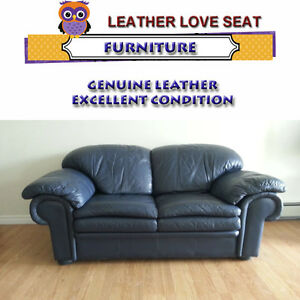 DELUXE LEATHER LOVE SEAT - IMMACULATE CONDITION