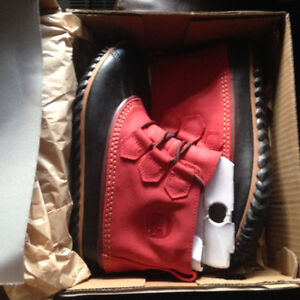 Brand New Sorel Out & About Leather Boots - Red, Waterproof