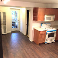 STUNNING NEW BRIGHT CLEAN LOWER FLOOR APARTMENT IN NEWMARKET_404
