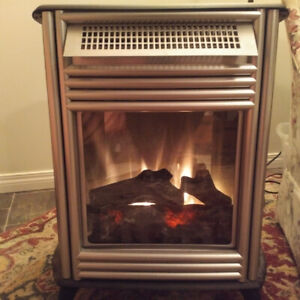 Electric Fireplace with adjustable flame and heat