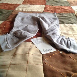 Lululemon brand new with tags (in the flow cropn11)