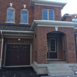 Semi-Detached Home near UOIT/DC for lease , Available Feb 1st.