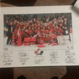 2006 Canadian Women's Olympic Hockey Print - Signed by 22