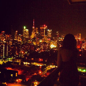 Den for Female Student In Penthouse Suite - near Ryerson, OCAD,
