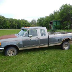 1990 Ford F-150 XLT Ext Cab Long Box ***LowKms***