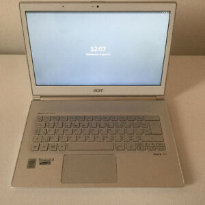 Acer S7-392 8GB RAM/256GB SSD 1920x1080 Touch Screen