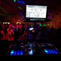 Looking for a dj!