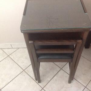Petit bureau avec chaise