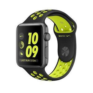 Montre Apple Watch Nike + series 2  (42mm) excellent A1