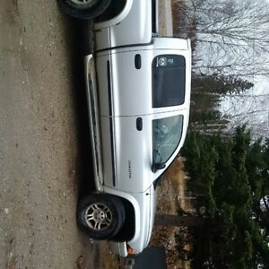 2002 Dodge Dakota XLT Pickup Truck