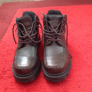 Men's Winter Boots – London Fog – Size 11 – Practically New