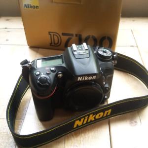 Nikon d7100 24mp lightly used