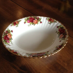 Royal Albert - Old Coutry Roses China