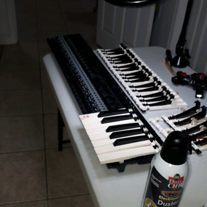 Roland Keyboards | Buy or Sell Used Pianos & Keyboards in