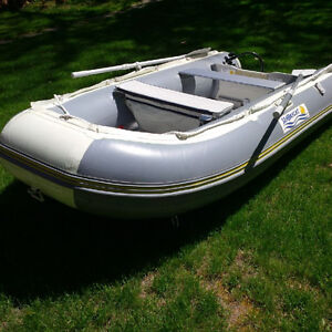 """SeaBright Inflatable Boat 9'6"""""""