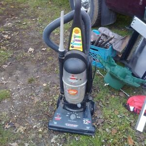 Bissell Powerforce Bagless Upright Vacuum