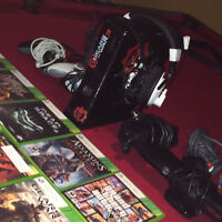 Xbox 360 Slim with Kinect, 2 remotes, Gaming Headset & 23 Games!