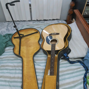 academi guitar 0-2 with stand and case