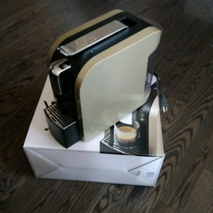 Starbucks Verismo coffee expresso machine