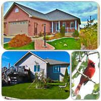 ADULT-LIFESTYLE Bungalow: on GOLF COURSE + Beaches + Wine