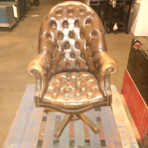 chair leather London Ontario image 1