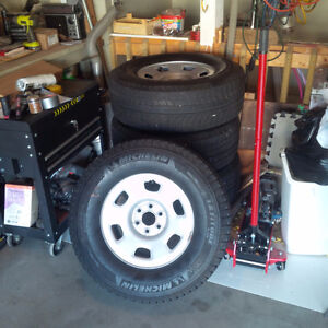 4 Michelin X Snow Tires Like New London Ontario image 5