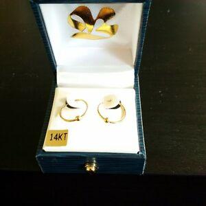 14 KT Yellow Gold Hoop Earrings - New