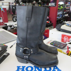Ladies Cruiser Style Motorcycle Boots Only $70 Re-Gear Oshawa