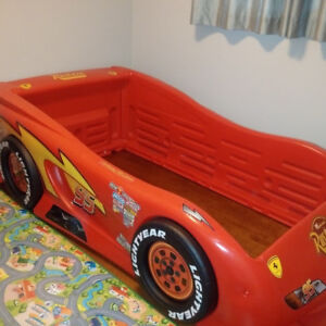 Twin Cars Movie Bed - Lightning McQueen