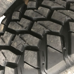 Nitto trail grappler 35x12.50R17 tires