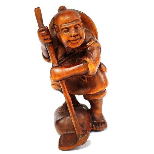 "Y7585 - 2 "" Hand Carved Japanese Boxwood Netsuke - Farmer Working"