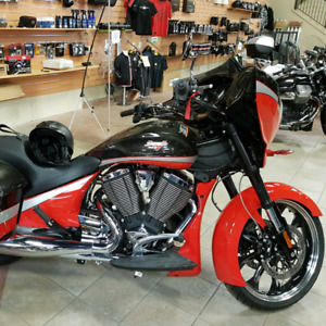 2016 Victory Magnum- low km!