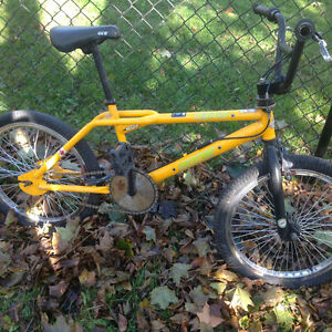 Old school bmx Dyno zone GT ,California cruiser ,good shape Kitchener / Waterloo Kitchener Area image 7