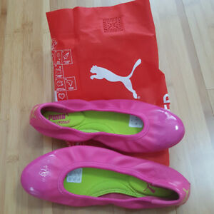 Women's  Pink leather Puma flats.  Brand new.