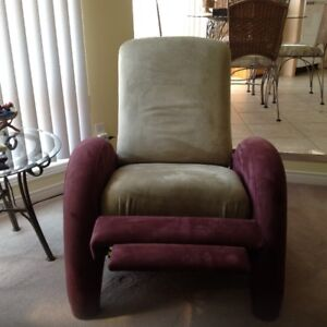 Recliner chair (like new)