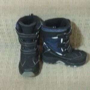 Boys size 9 Thinsulate Winter Boots