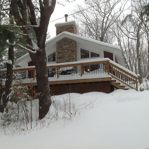 Winter Getaway- New Chalet- McGregor Lake, Val des Monts