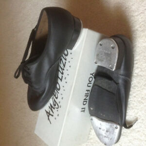 TAP Dance shoes- Ladies small size