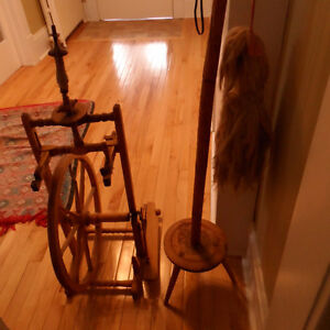 Spinning wheel with stand