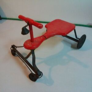 Vintage Childs Tricycle Made in USA  Free Delivery in most S. On