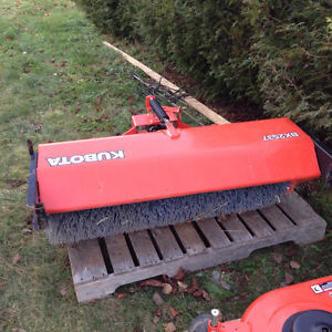 Bx2537 Kubota sweeper includes a second brand new in box brush