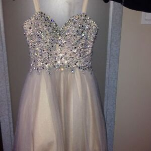 Grade 8 Prom Dress. Tony Bowls. simply stunning Paid 600