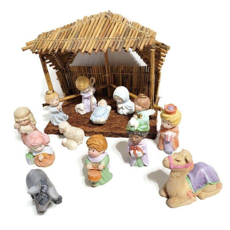 Vintage Avon Heavenly Blessings Nativity Creche 13 Piece Set 1986-88 plus Stable