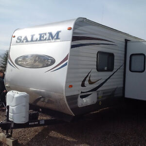 2013 Salem Bunk House Family Trailer - New Condition