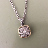 Necklaces made of diamond + gold