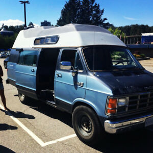 1989 Dodge Ram Campervan - Get Away Van *fully equiped*