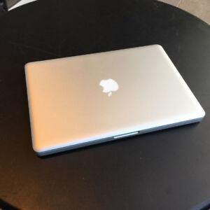 "MacBook Pro 13"" 2012 i5 / 8 GB / 2.5 GHz Works great  High Sierr"